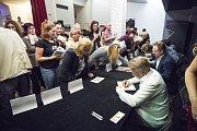 Autogramiáda k filmu Úsměvy smutných mužů v Hraničáři.