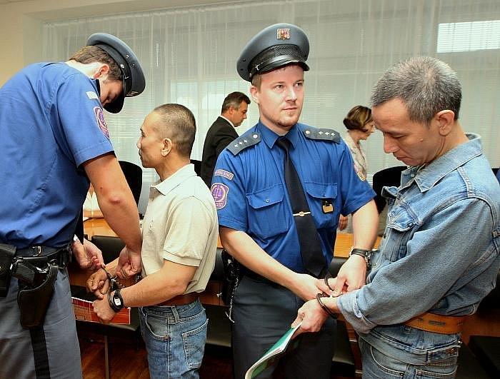 Soud s marihuanovými distributory působícími téměř po celém území na severu Čech