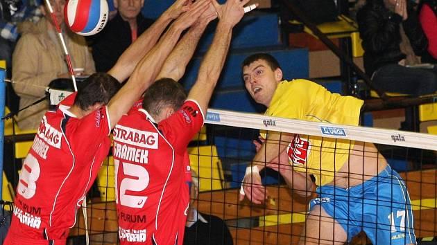 Univerzál Filip Kramár (vpravo) se po svém příchodu do Ústí nad Labem zařadil mezi opory týmu.