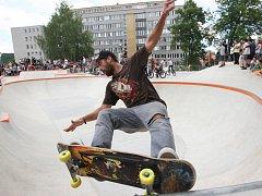 Slavnostní otevření nového skateparku.