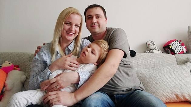 Martin z Ústí nad Labem trpí Westovým syndromem. Nemá zrakový ani sluchový kontakt s okolím.