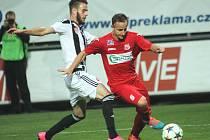 Ústečtí fotbalisté (červení) vyhráli v Českých Budějovicích 1:0.