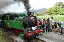 Parní dny patří na Zubrnické museální železnici k těm nejvíce navštěvovaným. Letos je organizátoři spojili s oslavou 40. výročí natočení filmu Páni kluci, které se tu odehrálo.