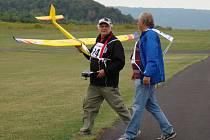 Letecký modelář Karel Jeřábek se svému koníčku věnuje přes 60 let.
