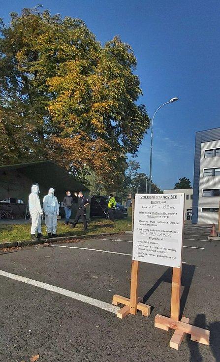 Volební drive-in u zimního stadionu v Ústí nad Labem