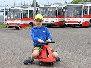 Dopravní podnik vítal hlavně děti.