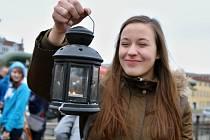 Skauti přivezli v neděli 16. prosince betlémské světlo do Ústí nad Labem