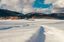 Krušné hory učební pomůckou. Na snímku je zasněžené okolí Chlumce na Ústecku z letošního února.