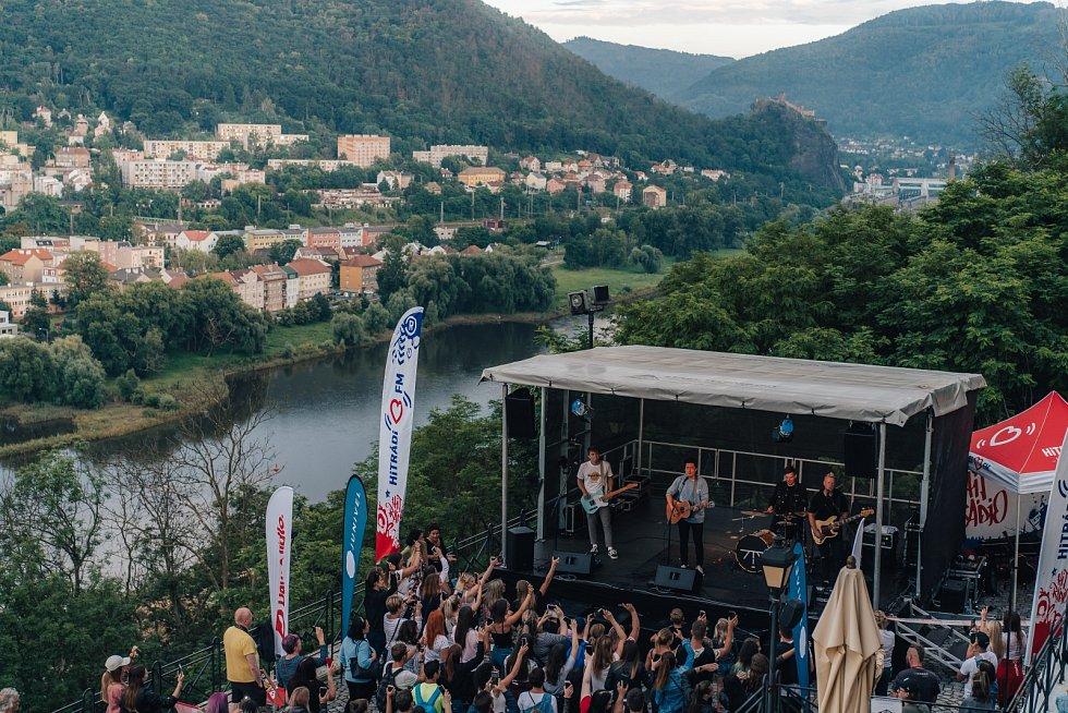 Kapela Mirai zahrála na tajném koncertě na ústecké Větruši.