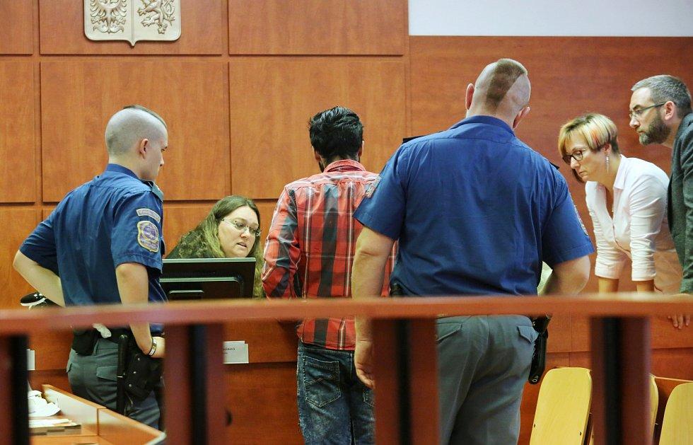 Josef K. z Loun se u ústeckého soudu zpovídá z utýrání malého chlapce