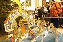 Výstava betlémů v šikmém kostele.