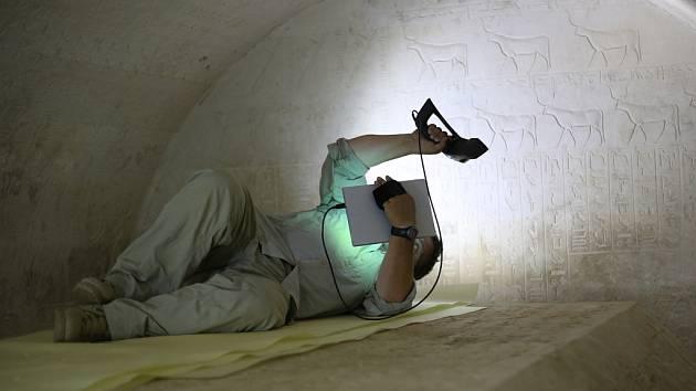 Geoinformatik Vladimír Brůna pomáhá archeologům v Egyptě.