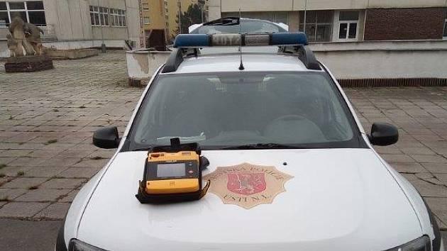 Ústečtí strážníci použili defibrilátor