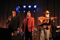 Fěšáci zazpívali ve velkém sále ústeckého domu kultury.