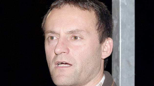 Trenér hokejbalistů Elby Patrik Cerman.