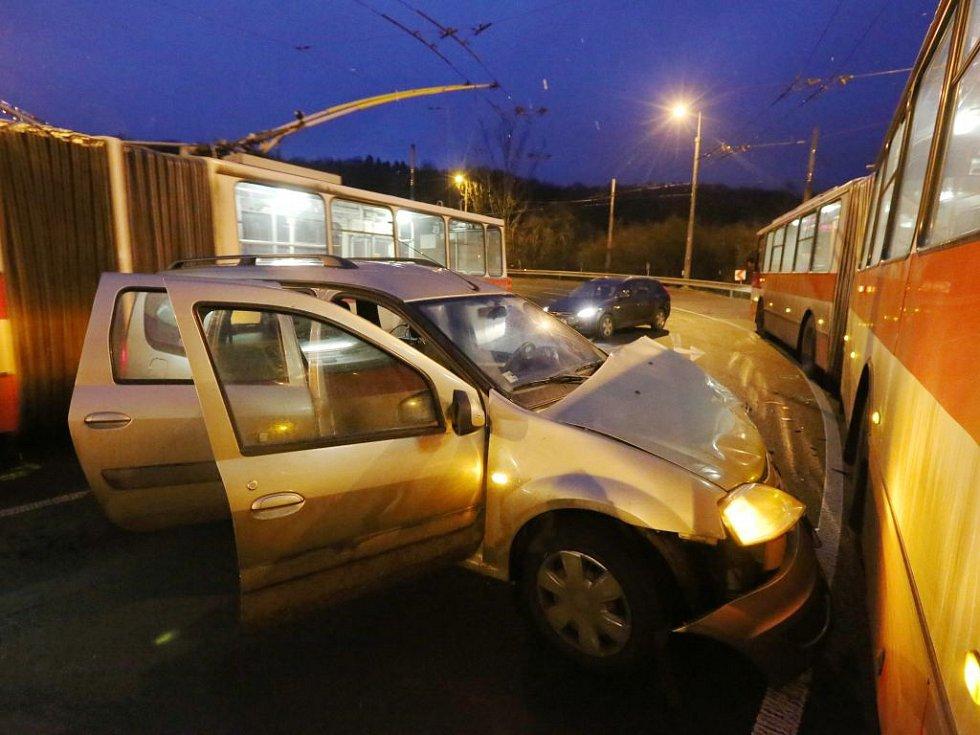 Nehoda v Důlcích.