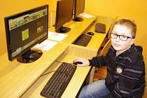 MEDIÁLNÍ VÝCHOVA na Základní škole Vojnovičova probíhá v redakci školního časopisu Sosáková pětka i v živém vysílání školního rozhlasu.