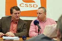 Předseda krajské ODS Jiří Šulc a krajský šéf ČSSD Petr Benda.