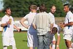 Fotbalisté Neštěmic (bílí) prohráli v Krupce 3:6.