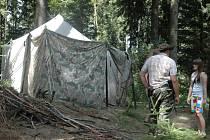 Táboráky zpestřují dospělí kousky s ohni.
