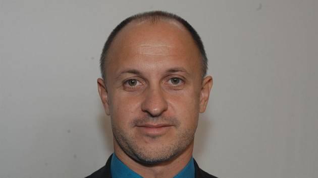 Radní Petr Ryšavý (ODS) je akcionářem firmy StratoCruiser, jež  měla získat dům v Poláčkově ulici.