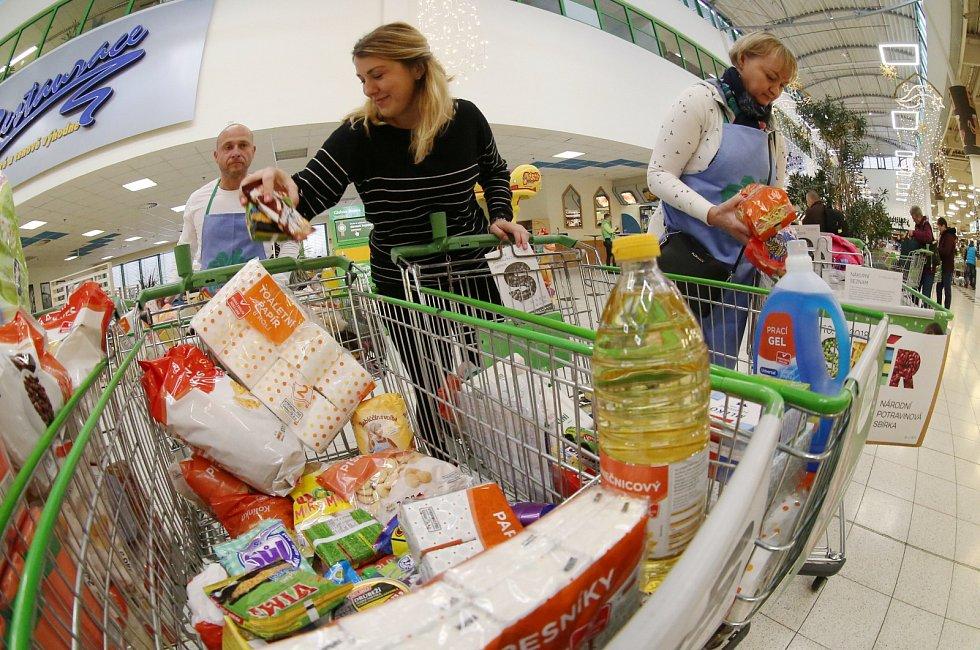 Národní potravinová sbírka v ústeckém Globusu