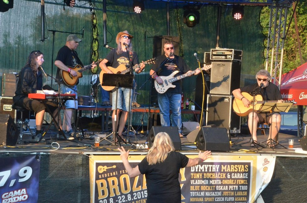 Brozánky Fest bavil, premiéra na farmě vyšla .