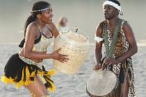 Hudební a taneční skupina IYASA ze Zimbabwe.