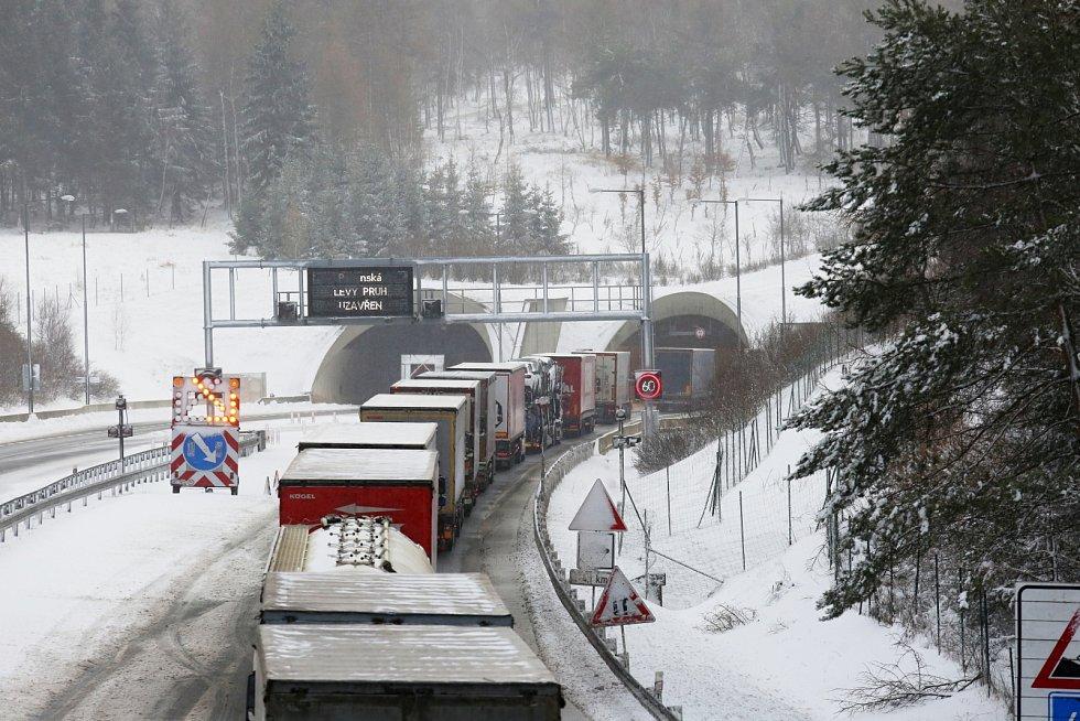 Ucpaná dálnice D8, středa 5. února