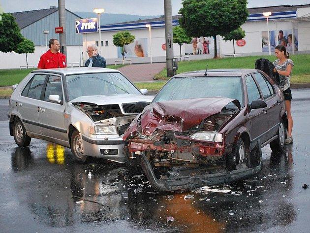 Nehoda v Krásném Březně.