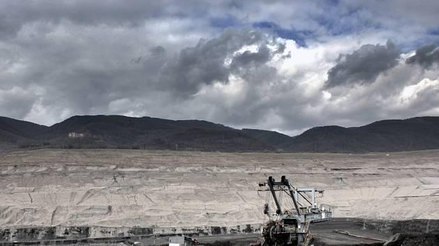 V dobývacím prostoru Litvínovské uhelné u Horního Jiřetína, kterého se limity hlavně týkají, jsou zásoby 773 milionů tun uhlí.