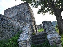 Zřícenina hradu Blansko.