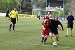 Fotbalisté Neštěmic (červení) prohráli v Blšanech 1:3.
