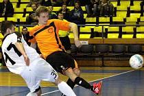 Futsalisté Combixu (žlutí) se těší na novou sezonu.