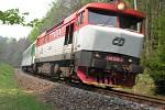 Lokomotivy a hnací vozidla mají svá jména - Zamračená nebo Bardotka.