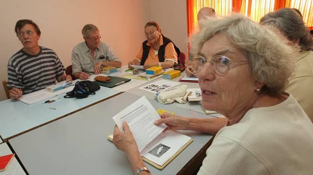 Již posedmnácté hostí ústecká Univerzita Jana Evangelisty Purkyně v Ústí nad Labem více jak 50 účastníků tradičního letního kurzu češtiny pro Němce.