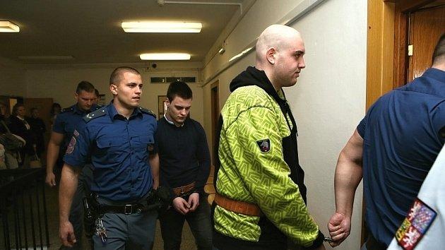 Obžalovaní z vraždy mladíka z Velichova u soudu