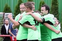 Fotbalisté Chuderova (v zelenočerném) zvítězili v 5. kole I. A třídy na hřišti Střekova 5:4. Foto: Deník/Rudolf Hoffmann