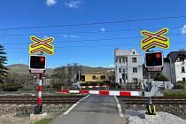 V rámci zajištění bezpečnosti a modernizace infrastruktury byly čtyři přejezdy (Svádov a Olšinky) osazeny výstražnými světly a závorami.