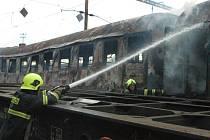 Červený kohout řádil v pondělí odpoledne na západním vlakovém nádraží.