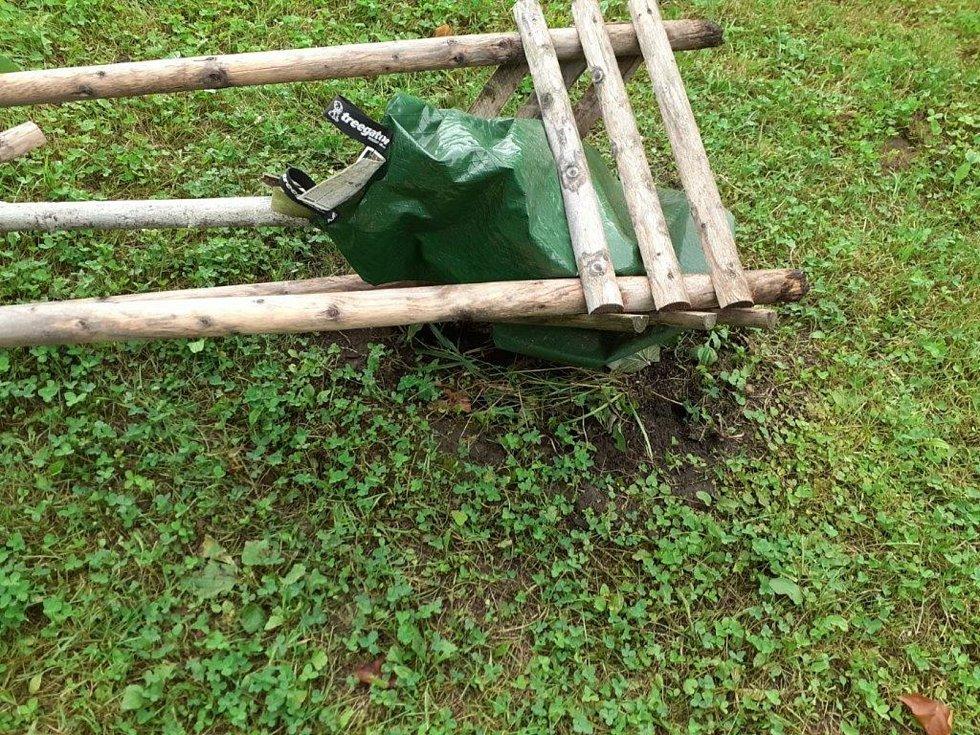 Semenáček Klokočské lípy neochránily ani kamery.