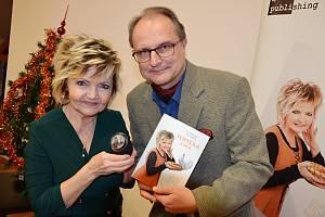 Filmová Popelka Eva Hrušková a Pavel Mészáros v ústecké knihovně