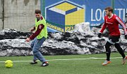 Fotbalisté Neštěmic (červení) prohráli v Děčíně s Rumburkem