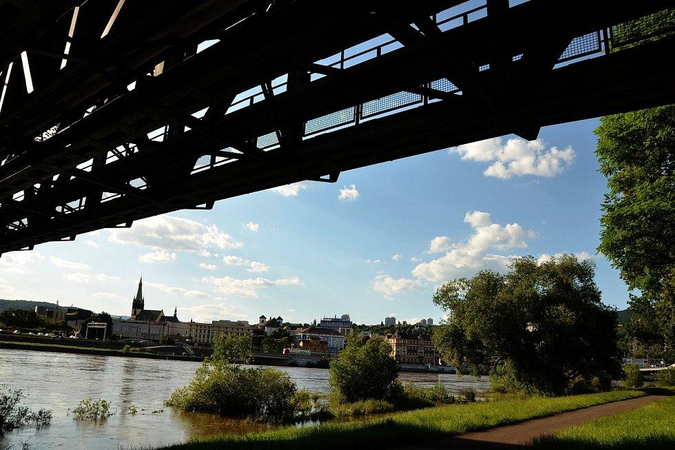 U mostu Edvarda Beneše v Ústí nad Labem