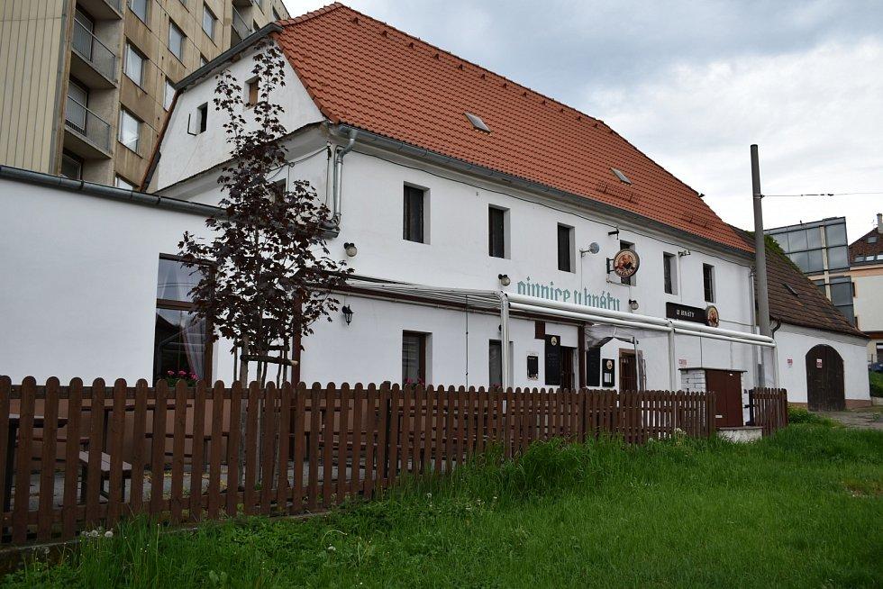 Pivnice Hnáta na Klíši je vyhlášenou studentskou hospodou.