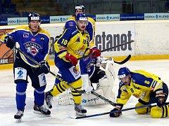 Ústečtí hokejisté (modří) doma porazili Přerov 3:1.
