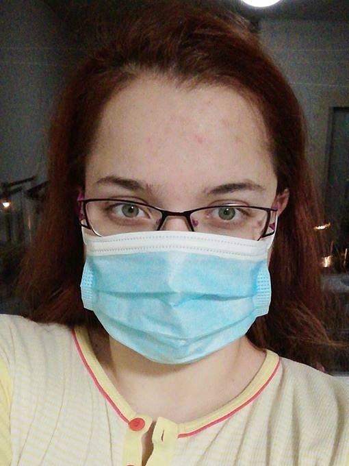 Snímek v roušce nám přes facebook poslala Lucie Hlušičková