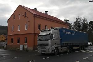Největší zlo v Libouchci - nadměrná dopravní zátěž a kamiony.