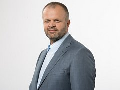 STAROSTA Kadaně Jiří Kulhánek chce podporovat pracovité lidi.