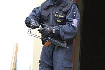 Celníci zadrželi sedm lidí, stát měli okrást o 50 milionů korun. Ilustrační foto